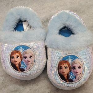 Frozen II slippers